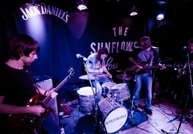 Review: Wolf People pack out The Sunflower Lounge