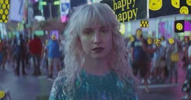 Paramore unveil 'Fake Happy' video ahead of January UK arena tour