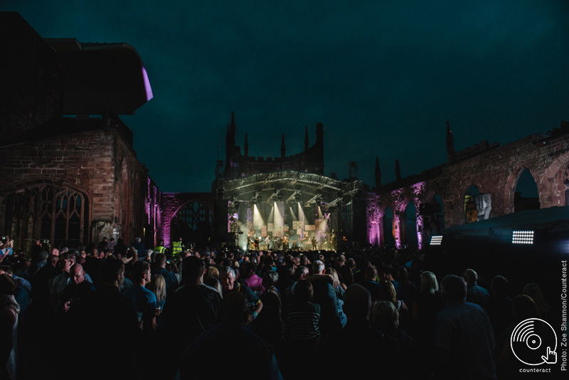 The_Specials_Coventry_Cathedral_4