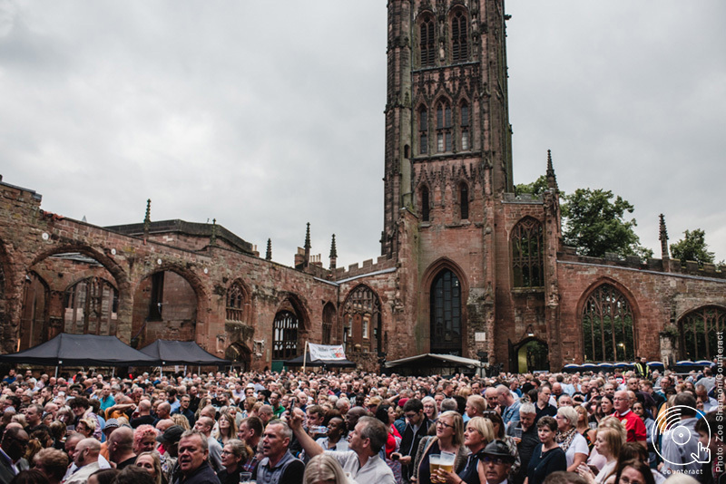 The_Specials_Coventry_Cathedral_6