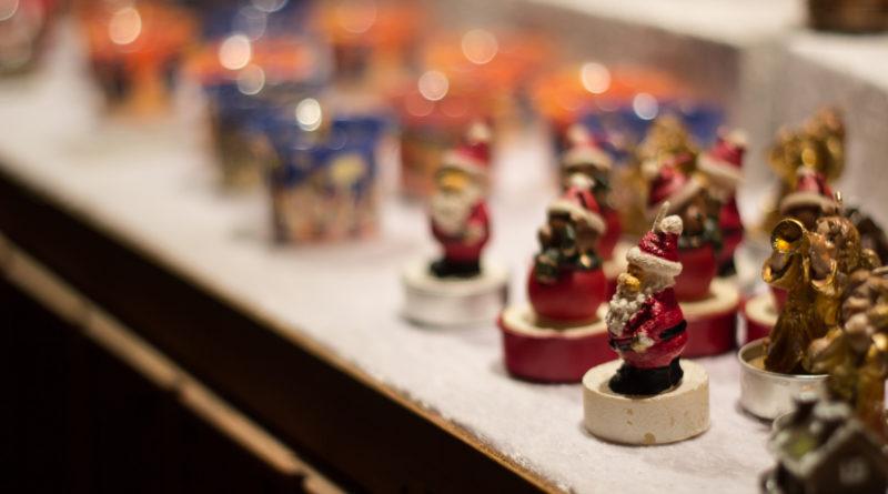 Trinkets at the German Market | © Mathew Bedworth/Flickr