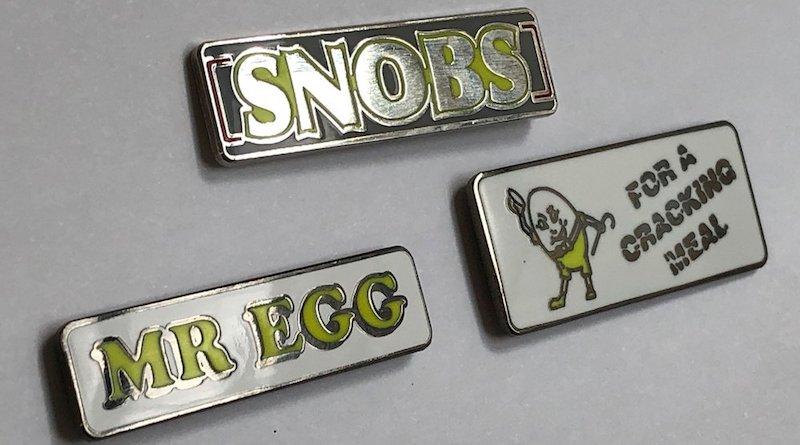 snobs-mr-egg-pin-badges