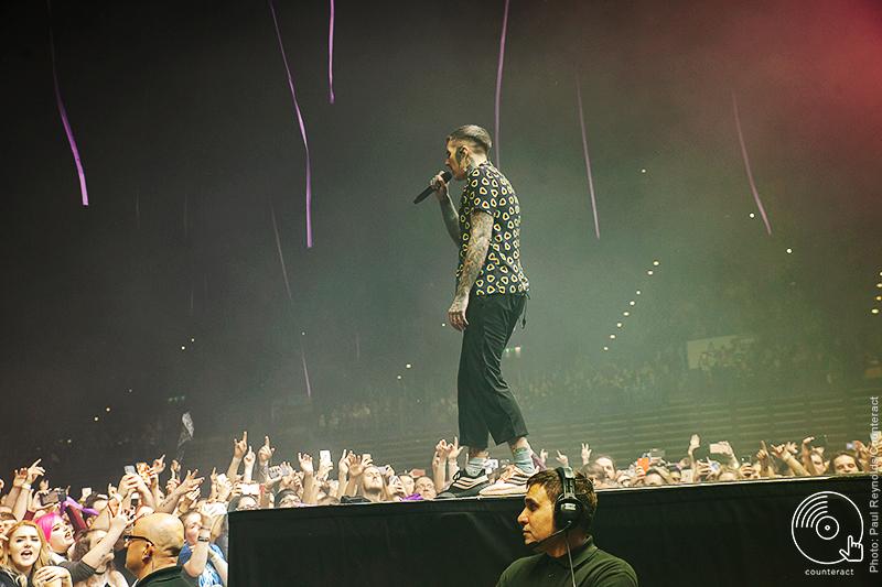 Bring_Me_The_Horizon_Arena_Birmingham_1