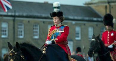 The Crown Season 4 film header